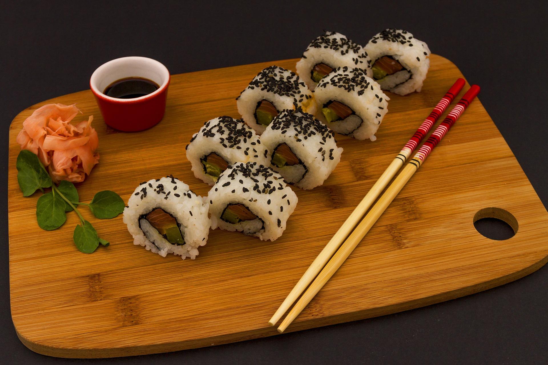 mangiare il sushi